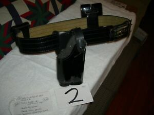 Safariland Police Duty Belt Rig Size 42 With Rh Holster And Pouches