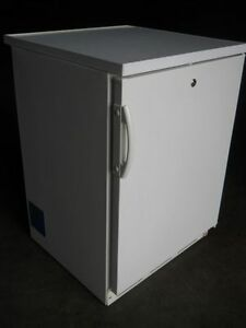Used Undercounter Laboratory Refrigerator Fisher Scientific 97 920 1