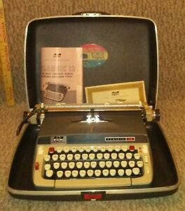 Vintage Smith corona Classic 12 Typewriter Excellent Working Condition