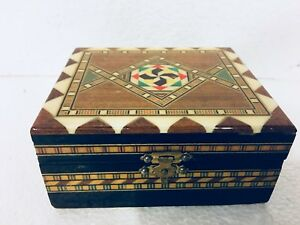 Wood Inlay Spain Marguetry Box Lacquered Mosaic Hinged W Clasp Trinket Keepsake