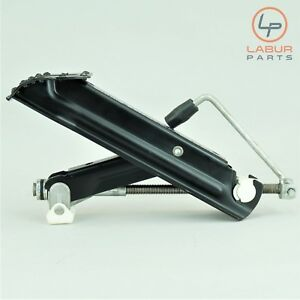 A950 W211 Mercedes 03 09 E Class Emergency Tire Change Jack Car Lift