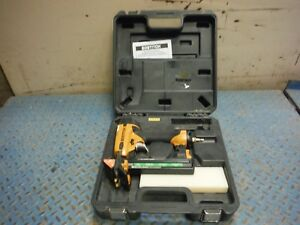 Used Bostitch Ehf1838k Pneumatic 18 Gauge 1 1 1 2 Flooring Stapler W Case