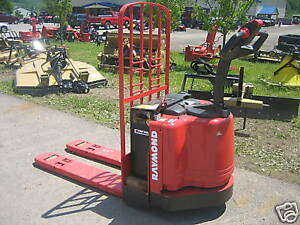2004 Raymond Model 111 Walk Behind 48 Forks Lb Cap With Battery