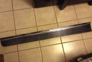 1966 Pontiac Bonneville Grand Prix Right Door Molding Trim 7582091