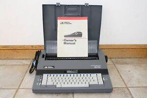 Smith Corona Electronic Typewriter And Word Processor Sd 700 With Keyboard Cover