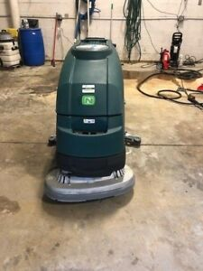 Nobles By Tennant Ss5 Walk behind Scrubber 28 Disc With Ec h20 Only 108 3 Hrs