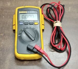 Fluke 110 True Rms Multimeter W leads No Case Pre owned Free Shipping