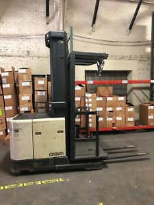 2002 Crown Electric Order Picker Stock Picker Sp3000 Height 95 210 3 000 Lb
