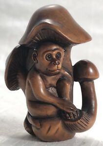 Antique Japanese Netsuke Signed Boxwood Monkey