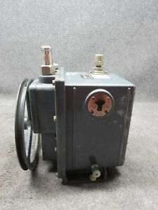 Sargent welch Scientific Co 1402 Duo seal Vacuum Pump tested working
