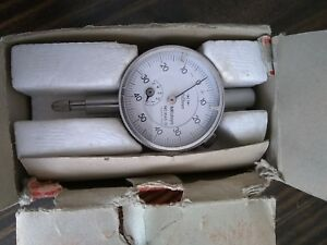Mitutoyo Dial Indicator 0 01mm 5mm 1045 Used In Box Made In Japan