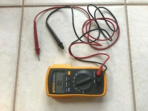 Fluke 110 True Rms Digital Multimeter With Test Leads