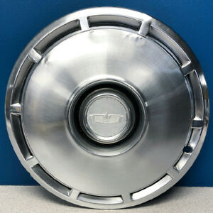 One 1975 Chevrolet Caprice Impala 3071b 15 Hubcap Wheel Cover Gm 00348158