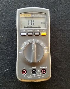 Fluke 111 True Rms Digital Multimeter