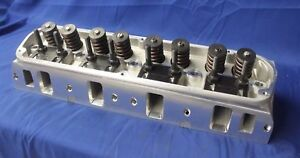 Sbf Ford E Force Hp Aluminum Cylinder Head 170cc 60cc 1 90 1 60 By Edelbrock