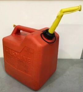Vintage Chilton Gas Can Vented With Screened Spout 6 Gallon Size Model P60 Large