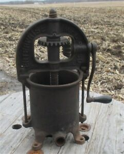 Enterprise 4 Quart Lard Press Cast Iron Sausage Stuffer Fruit Apple Cider Farm H