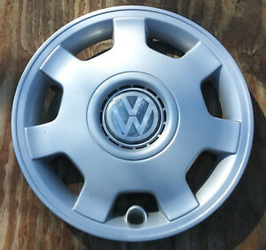 Volkswagen Golf Or Jetta Hubcap 1997 1999 Fits 14 Inch Wheels 61527 01