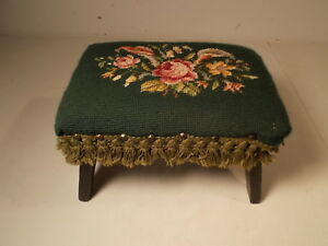 Nice Country Vintage Needlepoint Foot Stool With Roses