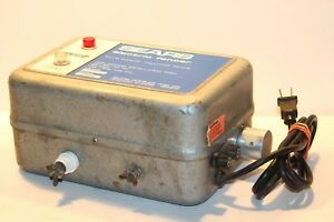 Sears Roebuck Co Solid State Electric Fencer Charger Model 436 48032 Working