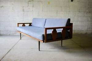 Mid Century Modern Walnut Daybed Sofa Couch