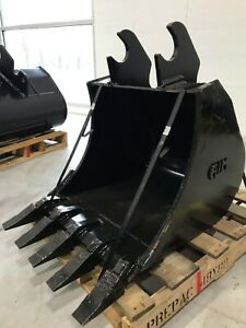 New 24 Heavy Duty Excavator Bucket For Kubota Kx161 with Coupler