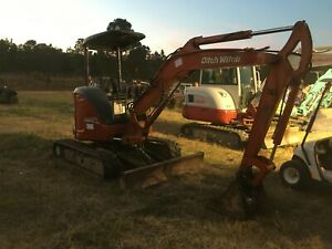 Ditch Witch komatsu Rubber Track Mini Excavator 16 Bucket 10 Dig Zero Tailspin