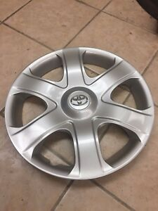 1 Used 16 Toyota Matrix Wheel Cover Hollander 61149