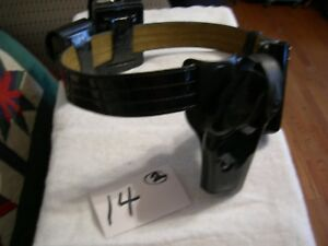 Safariland Police Duty Belt Rig Size 36 With Rh Holster And Pouches