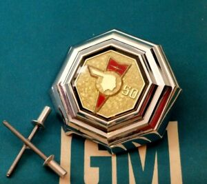 Nos 1976 Pontiac Grand Prix 50th Anniversary Trunk Lock Cover Gm Emblem Ornament