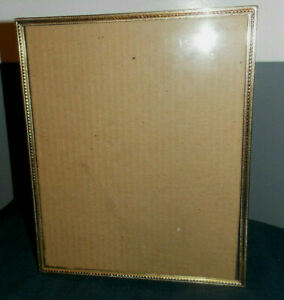 Beautiful Vintage Detailed Brass Metal 8 X 10 Picture Frame