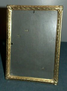 Lovely Vintage Detailed Brass Metal 5 X 7 Picture Photo Frame