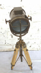Vintage Look Searchlight With Tripod Stand Spot Light Studio Table Lamp