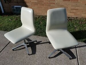 Mid Century Modern Pair Of Chromcraft Vinyl Swivel Chair