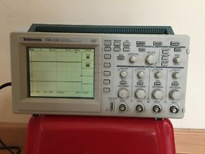 Tektronix Tds 224 Portable 4 channel 100mhz 1gs s Digital Real time Oscilloscope