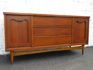 Mid Century Long Low Sideboard Server Tv Media Console Buffet By Bassett 8923x