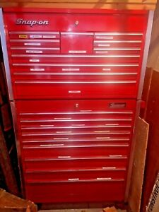 Snap on Tool Chest Top And Bottum Lots Of Drawers And Locks Work Chicago Area