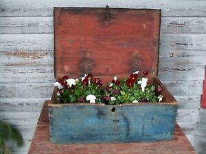 18th Century Early Primitive Box Dovetailed Original Red Paint Blue Paint Lid
