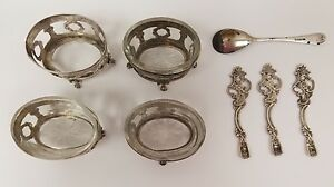 Four Sterling Silver Footed Salt Cellars With 4 Spoons