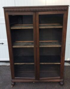 Antique Mahogany Two Door Bookcase With Key And 3 Shelves