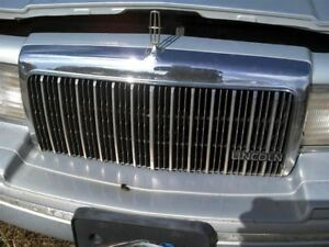 Grille Fits 93 94 Lincoln Town Car 316054