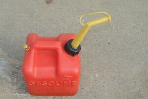2 Gallon Vented Gas Fuel Can Spout P20 Made In Usa