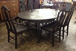 Antique Early 1900 S Solid Walnut Dinning Table W 2 Leaves 6 Chaires
