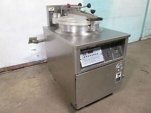 b K I Fkm fc Commercial Hd Large Capacity 208v 3ph Electric Pressure Fryer