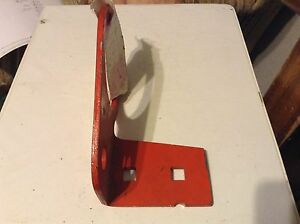 400536 A New Shifter Bracket For A New Idea Ground Driven 407 Hay Rakes