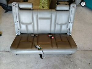 00 01 02 03 04 05 06 Suburban Yukon Xl 1500 Gray Leather 3rd Row Bench Seat Oem
