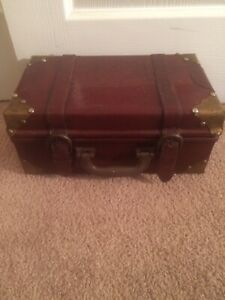 Vintage Chast Leather Trunk One Pieces Small