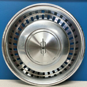 One 1975 1977 Oldsmobile Cutlass 4046 15 Hubcap Wheel Cover 00550619 Used
