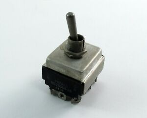 Eaton Cutler hammer Ms25068 26 Military Toggle Switch 7674k5 4 pole 2 Throw