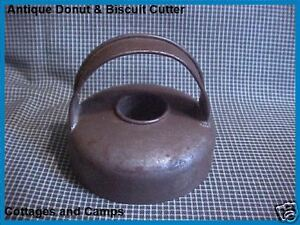 Antique Primitive Tin Metal Vtg Donut Biscuit Cookie Cutter With Handle Aafa